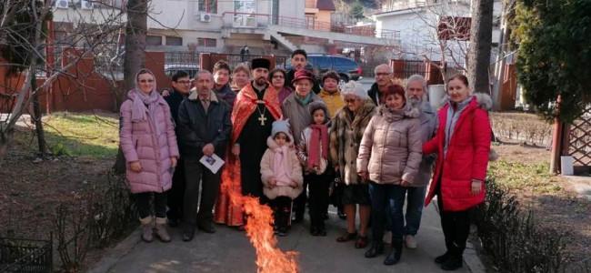 CREDINȚĂ / La Biserica Armeană Sf. Ioan Botezătorul din Pitești s-au sărbătorit Întâmpinarea Domnului și Sf. Sarkis