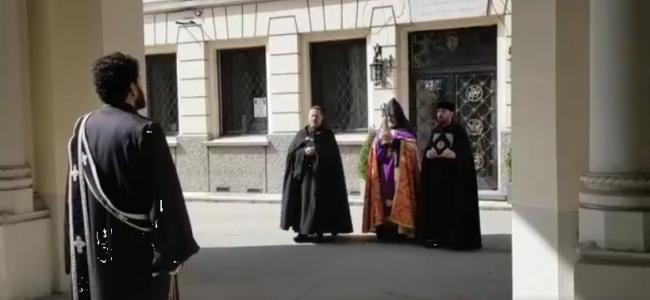 CREDINȚĂ / Slujba de Te Deum și de Andastan ( 29 martie) la Catedrala Armeană din București ( video)