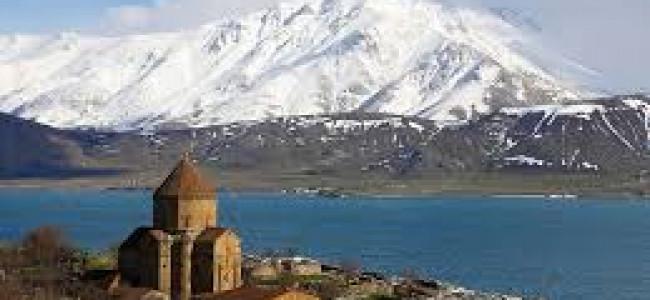 TURCIA | Liturghia anuală la biserica armenească Surp Khaci (Sfânta Cruce) din Akhtamar va fi oficiată pe 5 septembrie