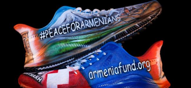SUA / O pereche de ghete de fotbal [american] cu tematică armeană a adunat suma record de 40.300 de dolari, la o licitație în beneficiul  Fondului Armenia