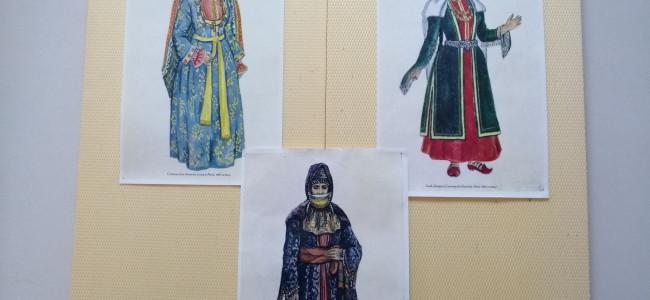 GHERLA / Expoziţie foto reprezentând costume armeneşti