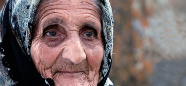 Recitindu-l pe Franz Werfel / IOANA ȚIPLEA : Ochi îndurerați de armean