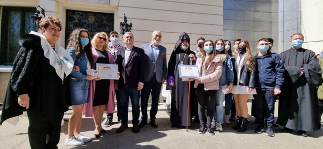"""Decernarea unor medalii și scrisori de mulțumire din Armenia pentru UAR și """"Vardavar"""""""
