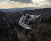"World Press Photo / Vaghinak Ghazaryan premiat pentru fotografia  ""Soldat în repaus"""