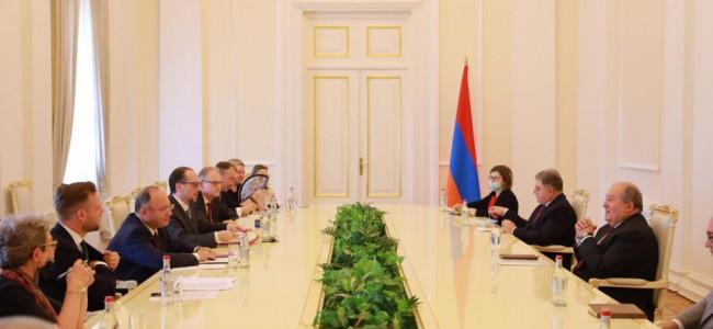 DIPLOMAȚIE | Vizita la Erevan a ministrului afacerilor externe Bogdan Aurescu, ca parte a turneului efectuat alături de omologii din Austria și Lituania în Caucazul de Sud
