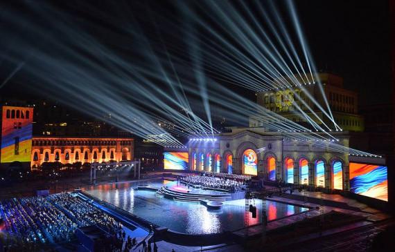ARMENIA | Manifestări dedicate Zilei Independenței Armeniei în Piața Republicii din Erevan ( în imagini )