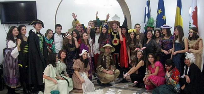 """""""E Vremea Carnavalurilor"""""""