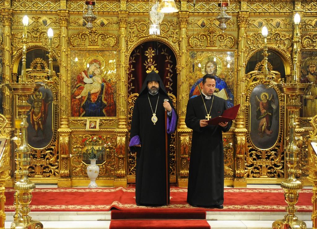 PC Episcop Datev Hagopian si preot Radu Holca