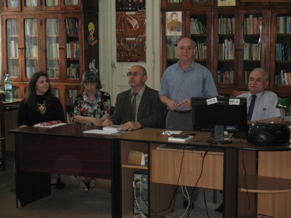3. Muzeograful Gheorghe Median prezint_ teza Despre armenii din Boto_ani
