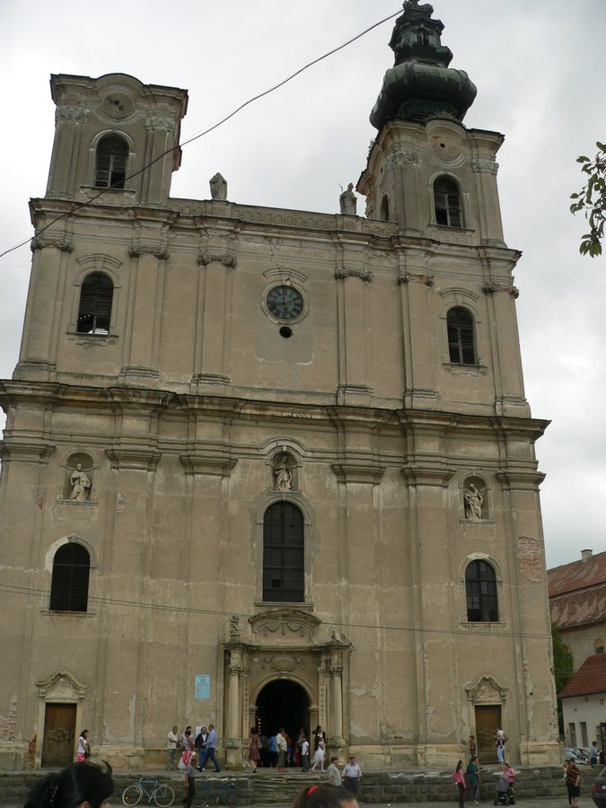catedrala-din-Dumbraveni
