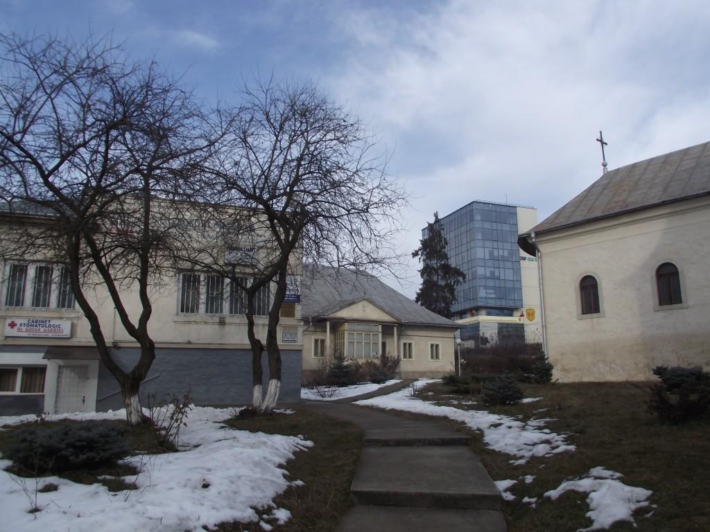 orfelinat scoala armean si biserica.jpg