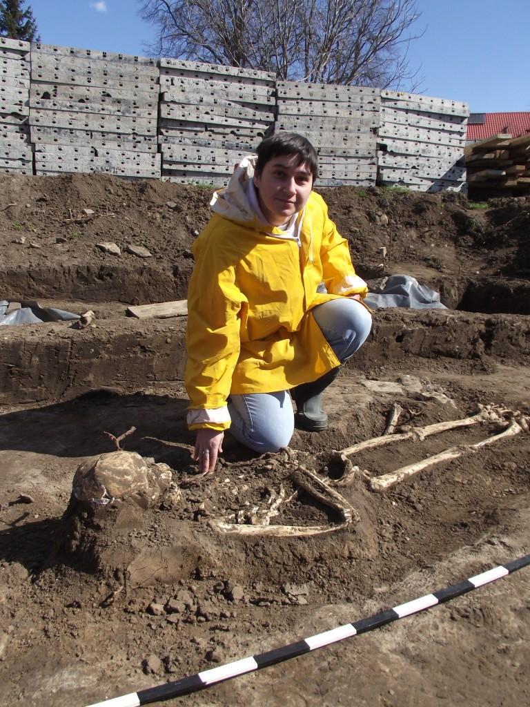 Noi descoperiri arheologice în vechiul cimitir armenesc al Bisericii Sf. Simion (4)