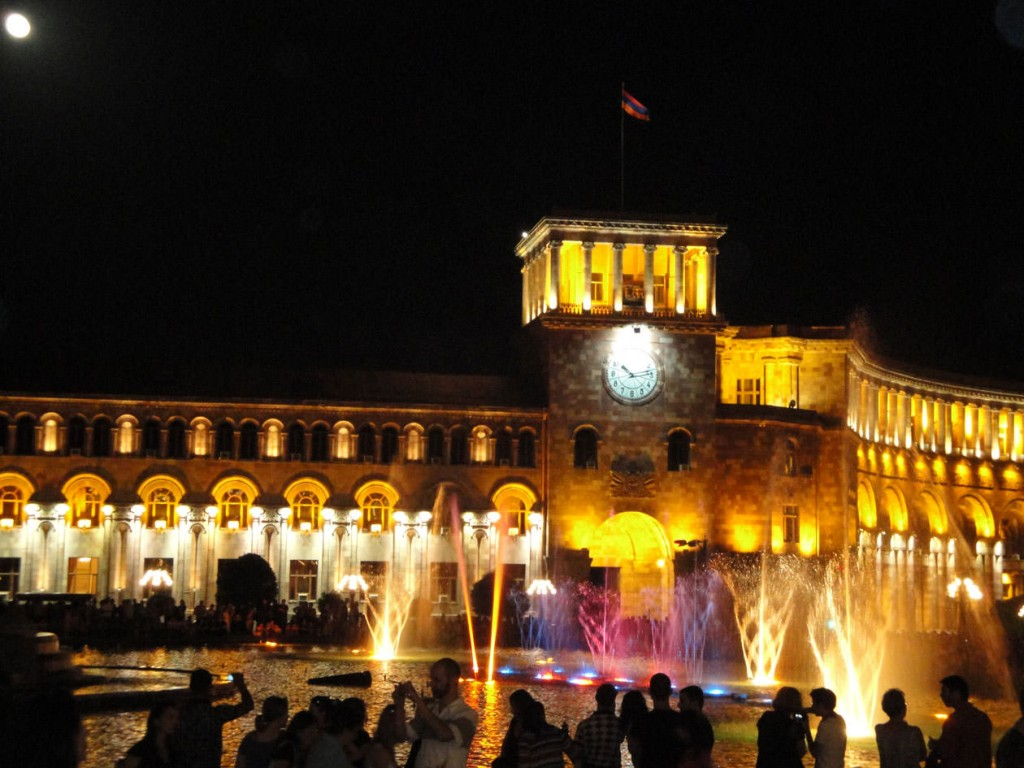 yerevan-at-night