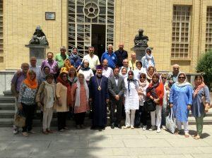 15, cu episcopul în fata muzeului armenes din Vank