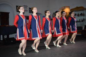Cluj-dans-armenesc-02
