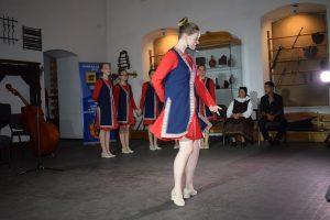 Cluj-dans-armenesc-03